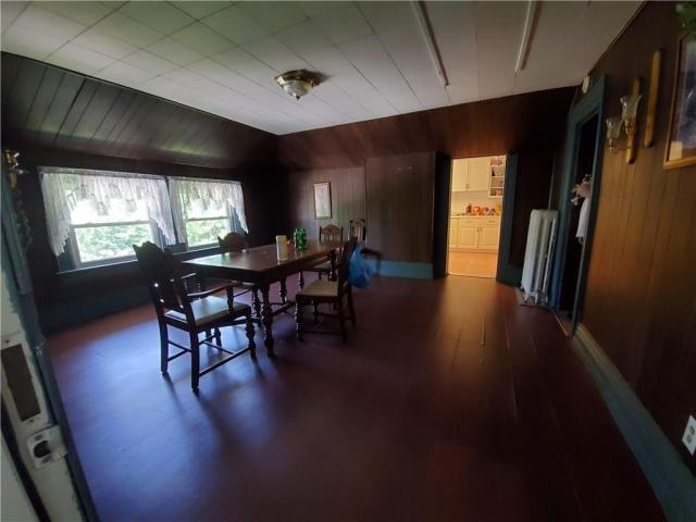 Dining room featured at 415 E Moody Ave, New Castle, PA 16105