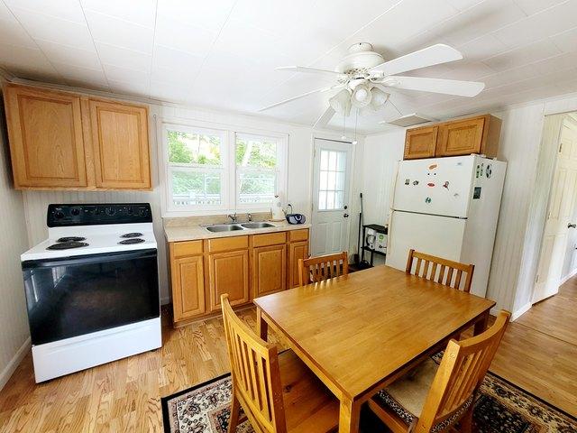 Kitchen featured at 4128 Skeetrock Rd, Clintwood, VA 24228