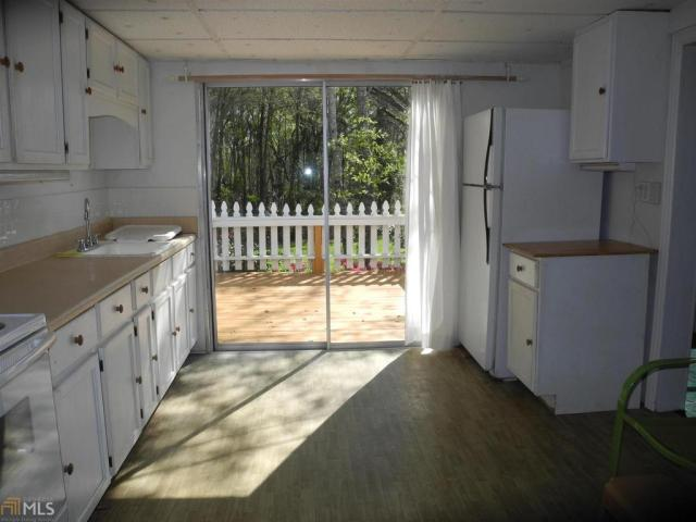 Kitchen featured at 184 Cato St, Manchester, GA 31816