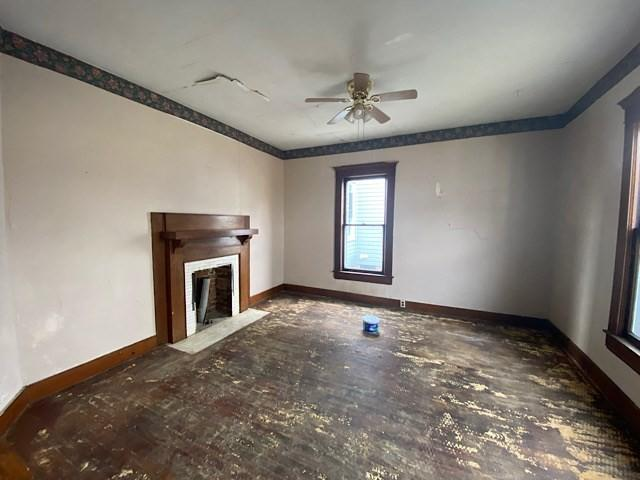 Living room featured at 325 Milford St, Clarksburg, WV 26301