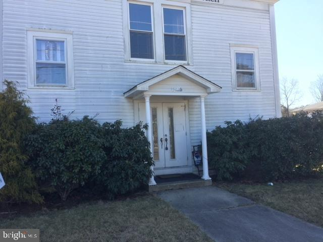 Porch yard featured at 5719 Pleasant Mills Rd, Egg Harbor City, NJ 08215