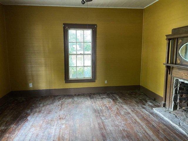 Bedroom featured at 455 Railroad St, Flovilla, GA 30216