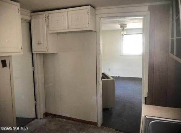 Laundry room featured at 954 Horne Rd, Pendleton, NC 27862