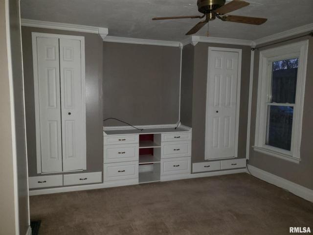 Bedroom featured at 802 S Cleveland Ave, Springfield, IL 62704