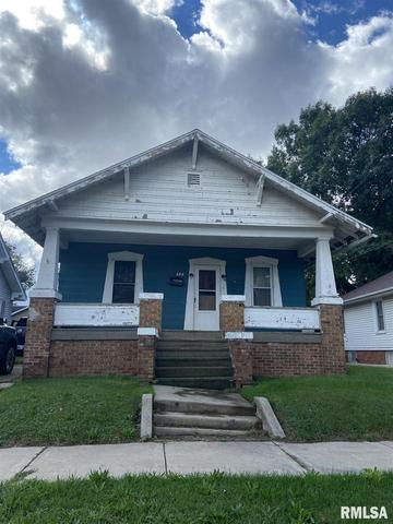 House view featured at 436 E Ash St, Canton, IL 61520