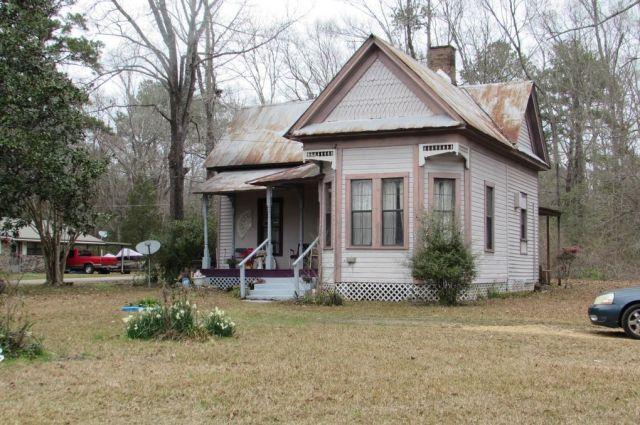 1404 N Main St, Columbia, MS 39429
