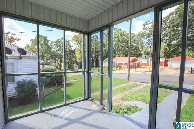 Porch yard featured at 913 Lockwood Ave, Anniston, AL 36207