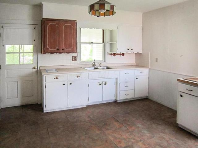 Kitchen featured at 706 N Gay St, Mount Vernon, OH 43050