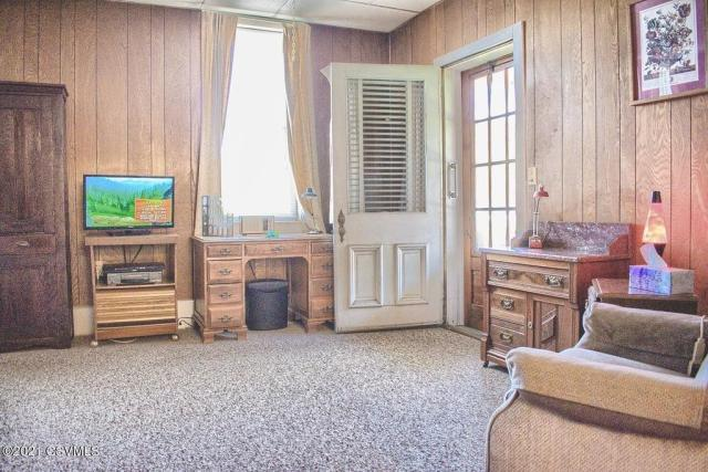 Living room featured at 164 Main St, Paxinos, PA 17860