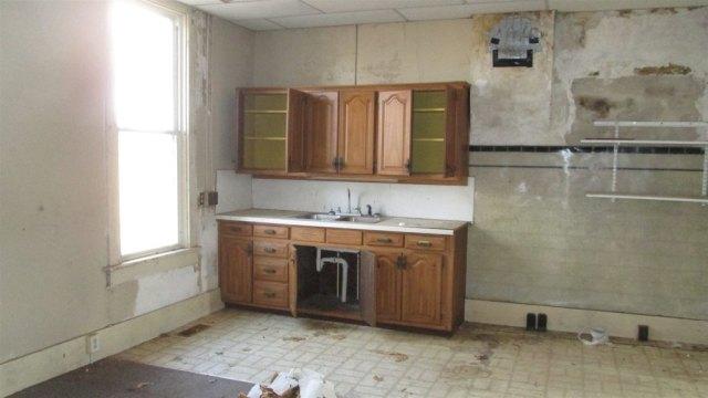 Kitchen featured at 4032 E Winthrop Rd, Attica, IN 47918