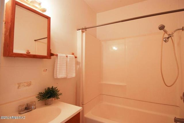 Bathroom featured at 123 S Bowie Ave, Willcox, AZ 85643