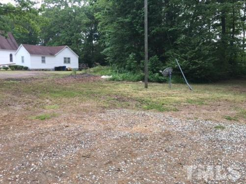 Yard featured at 4545 S Us 15 Hwy, Oxford, NC 27565
