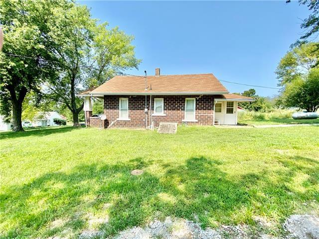 House view featured at 100 N 2nd St, Elmo, MO 64445
