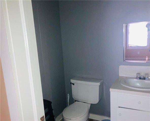 Bathroom featured at 470 Cottonport Ave, Cottonport, LA 71327