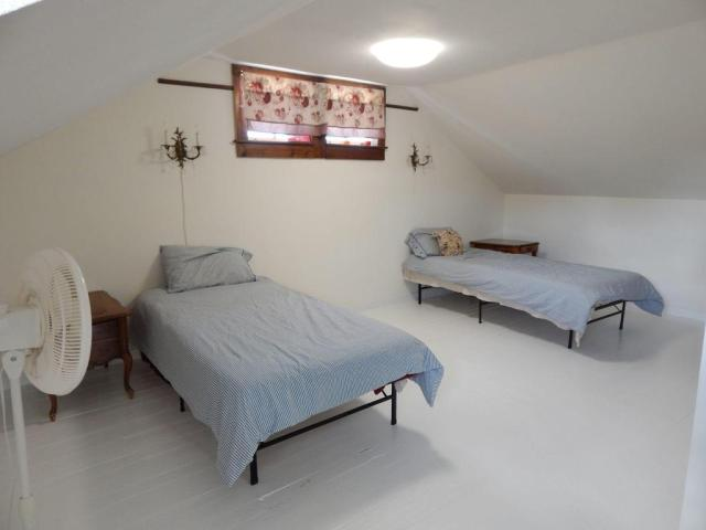 Bedroom featured at 214 and 216 N Greene Ave, Mountain Grove, MO 65711