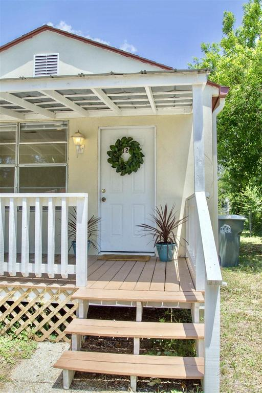 Porch featured at 126 Cavalier Dr, Pensacola, FL 32507