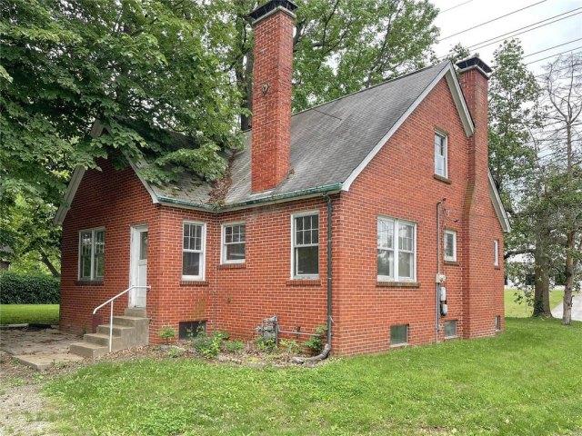Farm land featured at 1418 S Illinois St, Belleville, IL 62220