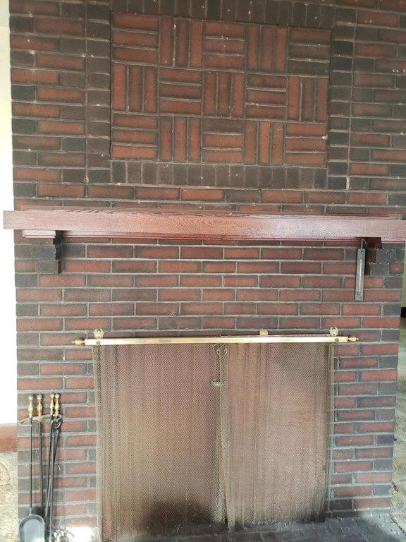 Garage featured at 836 Fort Augusta Ave, Sunbury, PA 17801