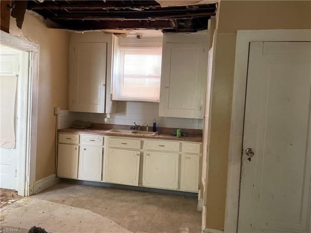 Kitchen featured at 2409 Gilbert Ave NE, Canton, OH 44705