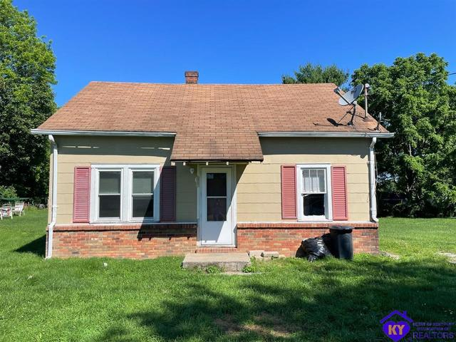 House view featured at 210 McNary St, Campbellsville, KY 42718