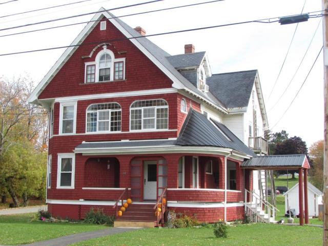 House view featured at 14 Kelleran St, Houlton, ME 04730