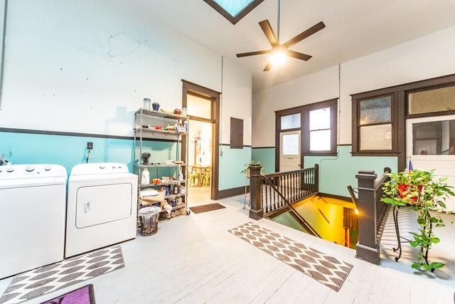 Laundry room featured at 127 W 9th St, Coffeyville, KS 67337