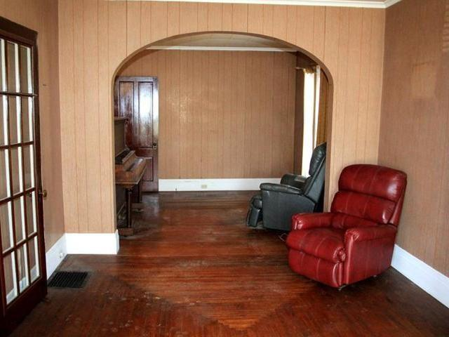 Living room featured at 219 Carver St N, Warren, PA 16365