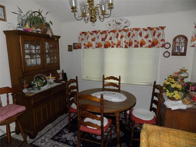 Dining room featured at 417 Rogers Ln, Ironton, MO 63650