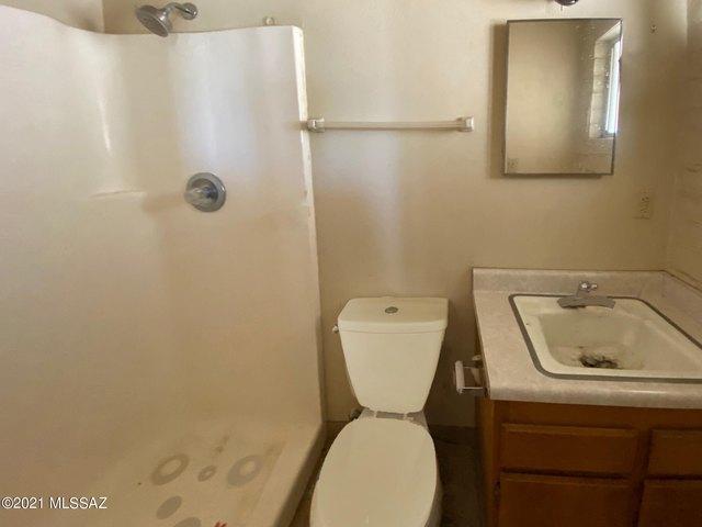 Bathroom featured at 440 W 5th St, Ajo, AZ 85321