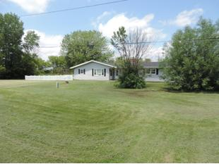 "<div></img>10910 Washington Ave Units 2 & 10912</div><div>Mount Pleasant, Wisconsin 53177</div>"" data-original=""/img/cdn/assets/layout/patch_white_bg.jpg"" data-recalc-dims=""1″></a></figure><div class="