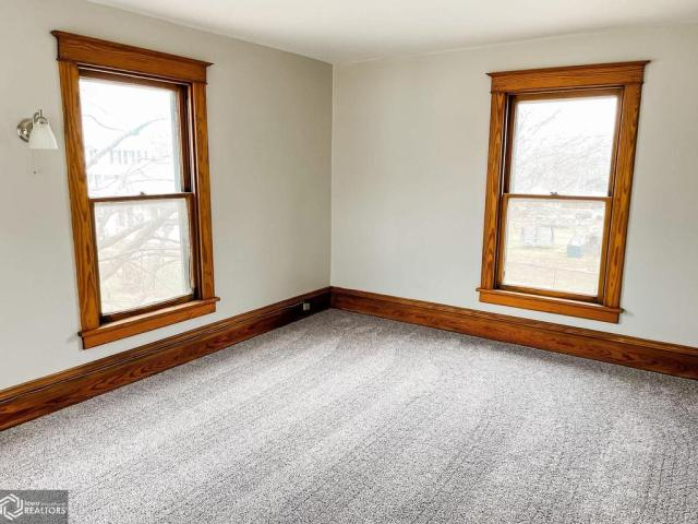 Bedroom featured at 1508 Market St, Burlington, IA 52601