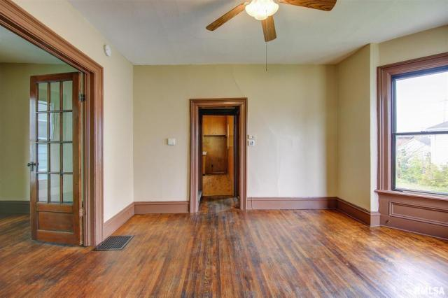 Property featured at 434 8th Ave S, Clinton, IA 52732