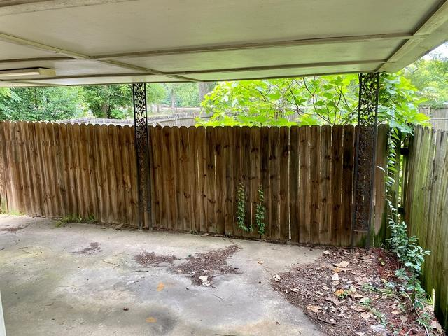 Porch yard featured at 407 W Central Ave, Fitzgerald, GA 31750