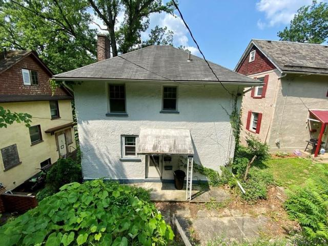 House view featured at 8 Harding St, Johnstown, PA 15905