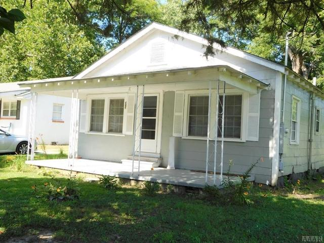 House view featured at 313 Pine St, Ahoskie, NC 27910