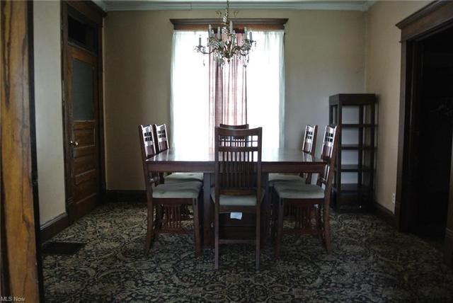 Dining room featured at 700 Garfield Ave SW, Canton, OH 44706