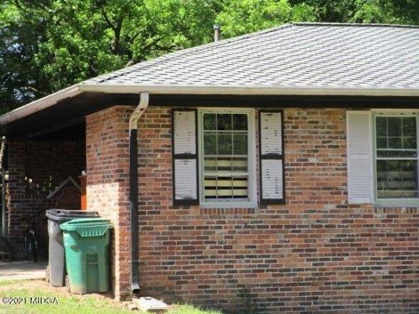 Porch featured at 2762 Portland Pl, Macon, GA 31211