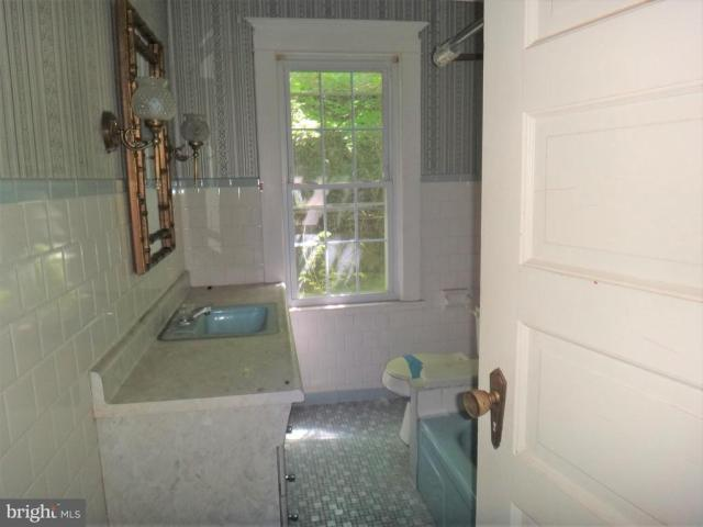 Laundry room featured at 8 Broadway Cir, Cumberland, MD 21502