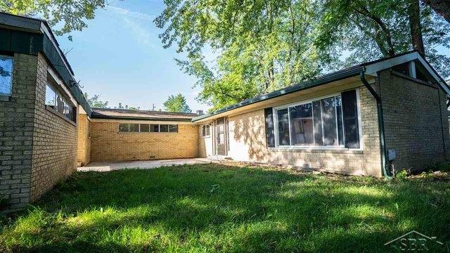 House view featured at 2861 Hermansau Rd, Saginaw, MI 48604