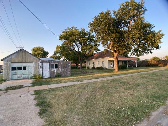 House view featured at 509 W Church St, Logan, KS 67646