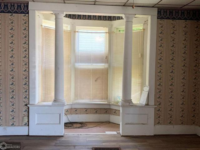 Bathroom featured at 511 W Adams St, Creston, IA 50801