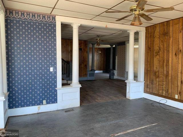Porch featured at 511 W Adams St, Creston, IA 50801