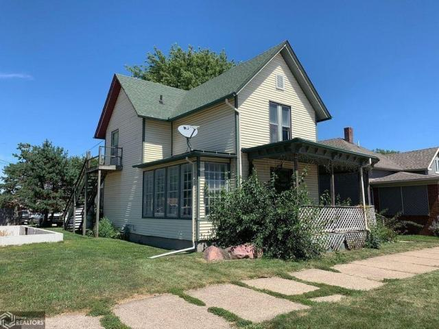 House view featured at 511 W Adams St, Creston, IA 50801