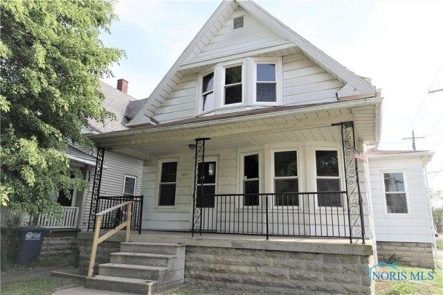 Porch featured at 431 Cincinnati St, Toledo, OH 43611