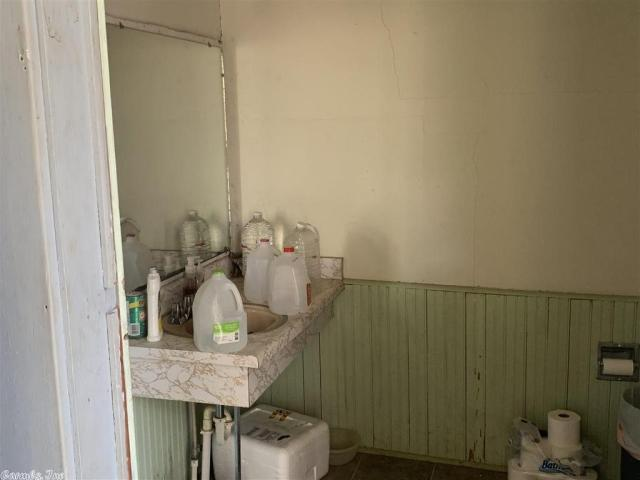 Laundry room featured at Highway 41N, Winthrop, AR 71866