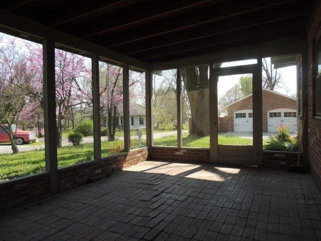Porch featured at 102 E Church St, Pocahontas, AR 72455