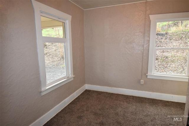 Bedroom featured at 422 11th St, Lewiston, ID 83501