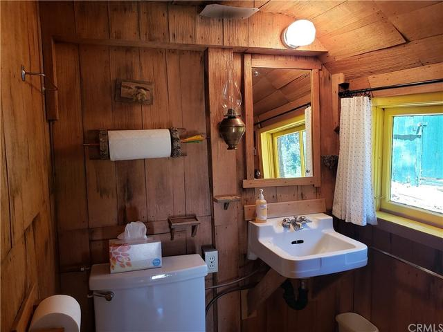 Bathroom featured at 9044 Humboldt Rd, Janesville, CA 95942