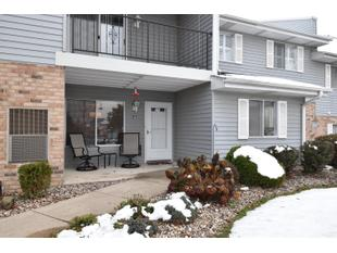 "<div></img>1111 N Sunnyslope Dr Unit 101</div><div>Mount Pleasant, Wisconsin 53406</div>"" data-original=""/img/cdn/assets/layout/patch_white_bg.jpg""></a></figure><div class="