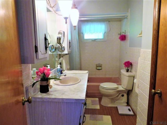 Bathroom featured at 409 Yeoman St, Johnstown, PA 15906